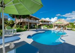 Sapphire Beach Resort - San Pedro Town - 屋外の景色