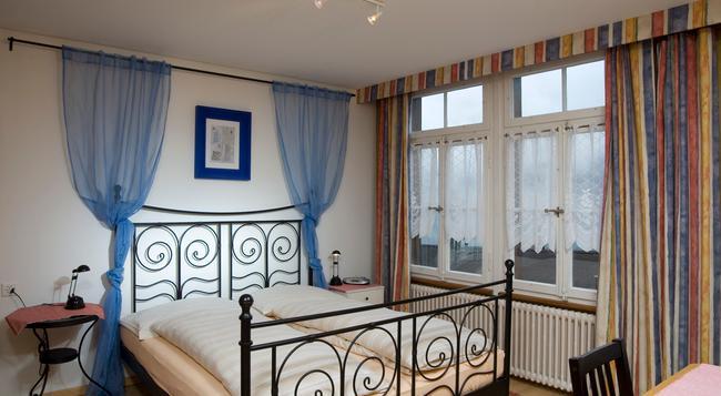 スイス ロッジ ホテル ベルナーホフ - Wengen - 寝室