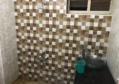 Raj Residency - チェンナイ - 浴室