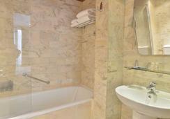 オテル ルノワール モンパルナス - パリ - 浴室