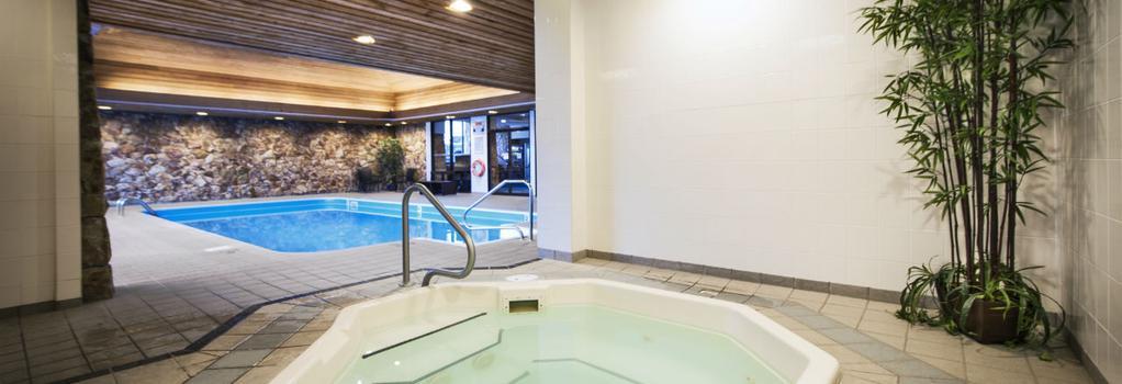Thompson Hotel - Kamloops - プール