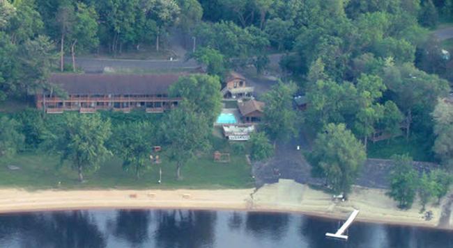 Cedar Lodge and Settlement - Wisconsin Dells - 建物