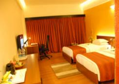 Dolphin Hotel - ヴィシャーカパトナム - 寝室