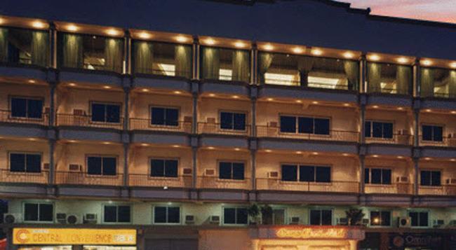 Orange Grove Hotel - ダバオ - 建物