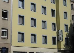 ホテル ラインハルト