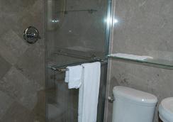 Hyde Park Inn - タンパ - 浴室