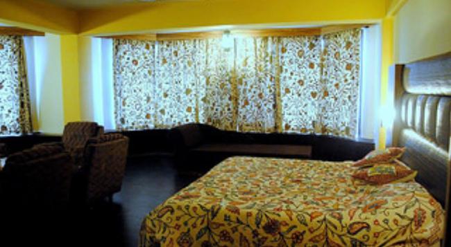 Welcome Hotel at Srinagar - Srinagar - 寝室