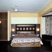 Welcome Hotel at Srinagar Guestroom