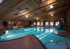 Shamrock Motel - Wisconsin Dells - プール