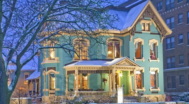 The Kalamazoo House Bed & Breakfast - カラマズー - 建物