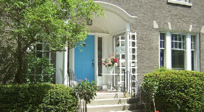 Hillcrest Inn Bed & Breakfast - ナイアガラ・フォールズ - 建物