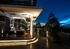 FM7 リゾートホテル ジャカルタ エアポート - タンゲラン - バー