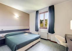 アルバ ホテル トーレ マウラ - ローマ - 寝室