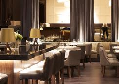 センチュリー プラザ ホテル & スパ - バンクーバー - レストラン