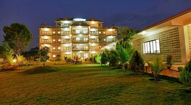 Hotel Crown Himalayas - ポカラ - 建物