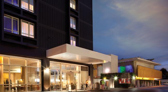 カストム ホテル LAX - ア ジョワ ド ヴィーヴル ブティック ホテル - ロサンゼルス - 建物