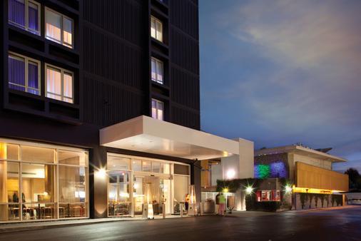 カスタム ホテル ロサンゼルス エアポート - ロサンゼルス - 建物