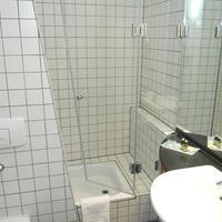 ホテル アレクサンダー プラザ Bathroom
