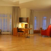 ホテル アレクサンダー プラザ