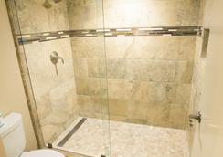 Scottsdale Plaza Resort - スコッツデール - 浴室