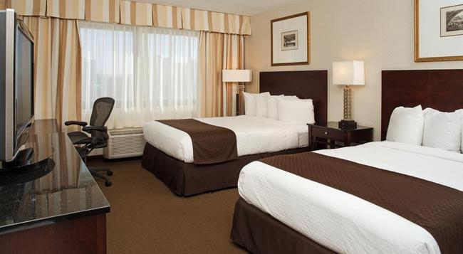 DoubleTree by Hilton Hotel Chicago - Schaumburg - シャンバーグ - 寝室