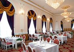 ホテル ヴェルサイユ - ウラジオストク - レストラン