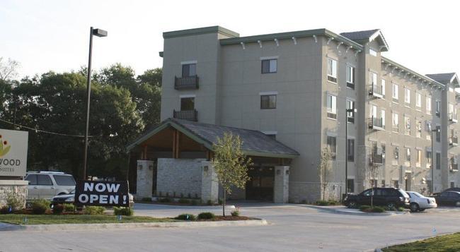 Parkwood Inn & Suites - マンハッタン - 建物