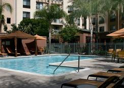 Courtyard by Marriott Los Angeles Burbank Airport - バーバンク - プール