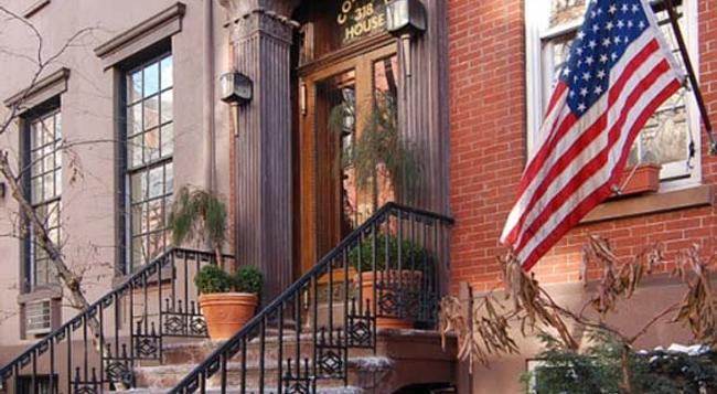 コロニアル ハウス イン - ニューヨーク - 建物