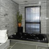 コロニアル ハウス イン Deep Soaking Bathtub