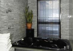 コロニアル ハウス イン - ニューヨーク - 浴室