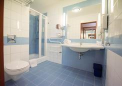 Hotel Nadmorski - グディニャ - 浴室