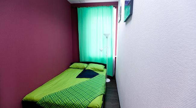 Hostel Teplo - サンクトペテルブルク - 寝室