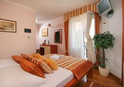 ホテル トロギル - トロギール - 寝室
