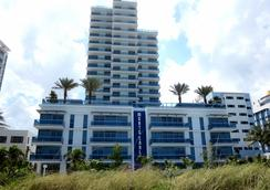 チャーチル スイーツ モンテ カルロ マイアミ ビーチ - マイアミ・ビーチ - 建物
