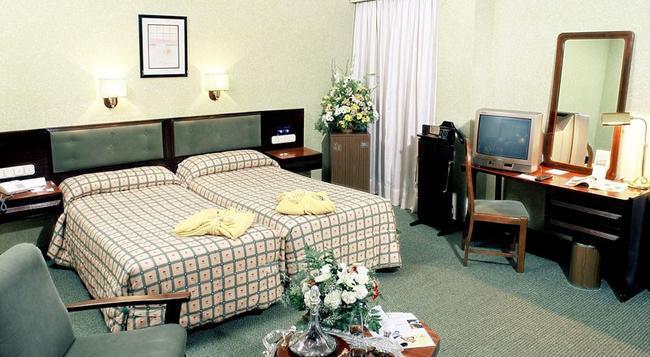 マシア グラン ラール - セビリア - 寝室