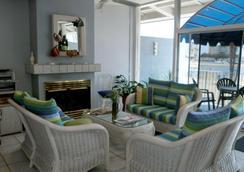 Foghorn Harbor Inn - Marina del Rey - ロビー