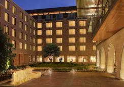 AT&T ホテル & カンファレンス センター - オースティン - 建物