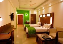 Hotel Inderlok - Dehradun - 寝室