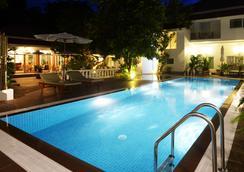 スカイライン ブティック ホテル - Phnom Penh - プール