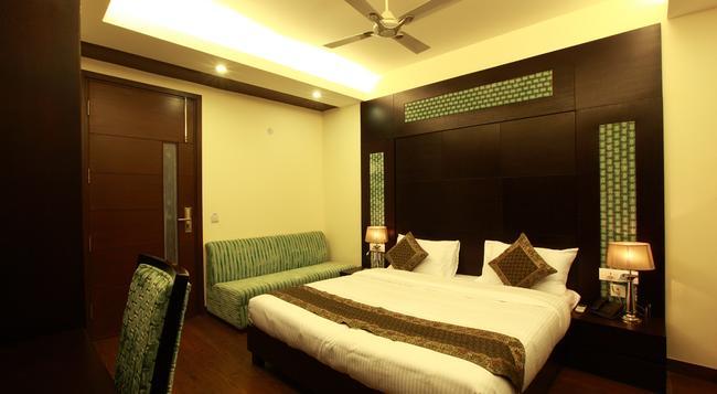 Hotel Zara Grand - ニューデリー - 寝室