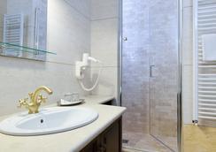 Hotel Castel Royal - ティミショアラ - 浴室