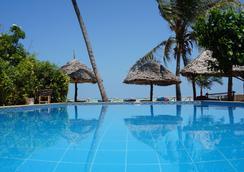 Casa del Mar Hotel Zanzibar - Jambiani - プール