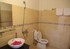 フェリー ホームステイ - ホイアン - 浴室