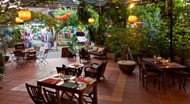ラ トネル - ホイアン - レストラン