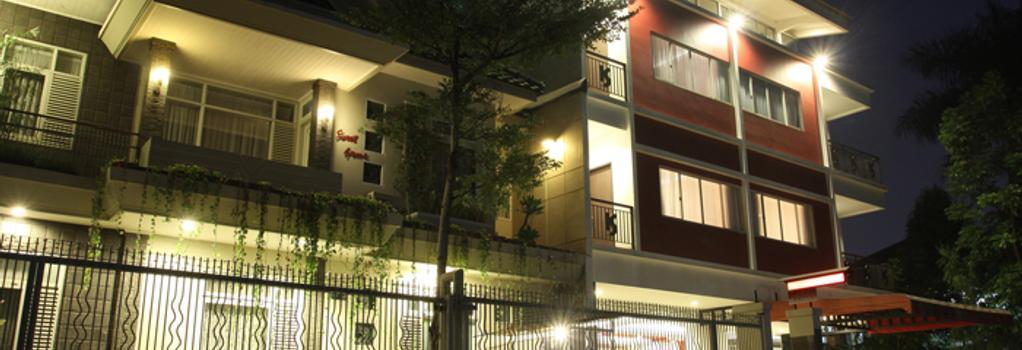 Sweet Karina Hotel - バンドン - 建物