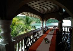 ブルー クリスタル ビーチ リゾート - Puerto Galera - レストラン
