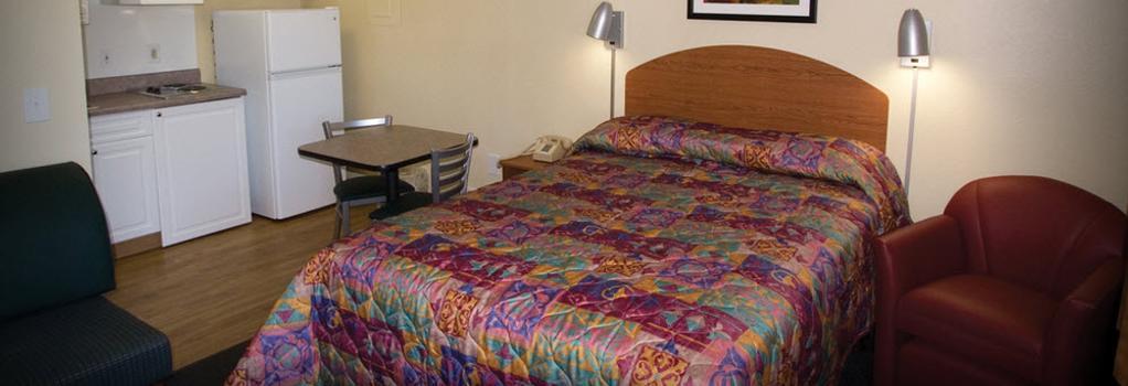 InTown Suites Albuquerque - アルバカーキ - 寝室