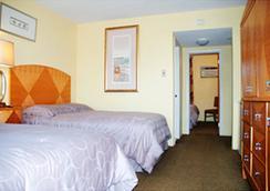 Royal Canadian Motel - ワイルドウッド - 寝室