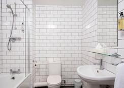 キングス ホテル - Brighton - 浴室